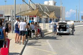 Formentera modifica las condiciones del servicio de autobús y taxi