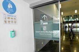 Las Pitiusas cumplen un mes sin ingresos en la UCI por coronavirus