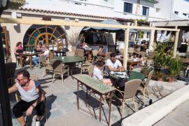 Vila no cobrará este año la ocupación de la vía pública a bares y restaurantes