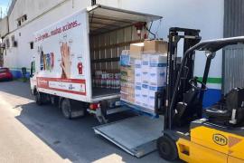 El transporte discrecional dona más de 13.000 euros a Cáritas y Cruz Roja