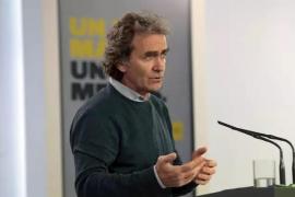 Simón advierte del impacto en Baleares por no guardar las medidas de seguridad en los aviones