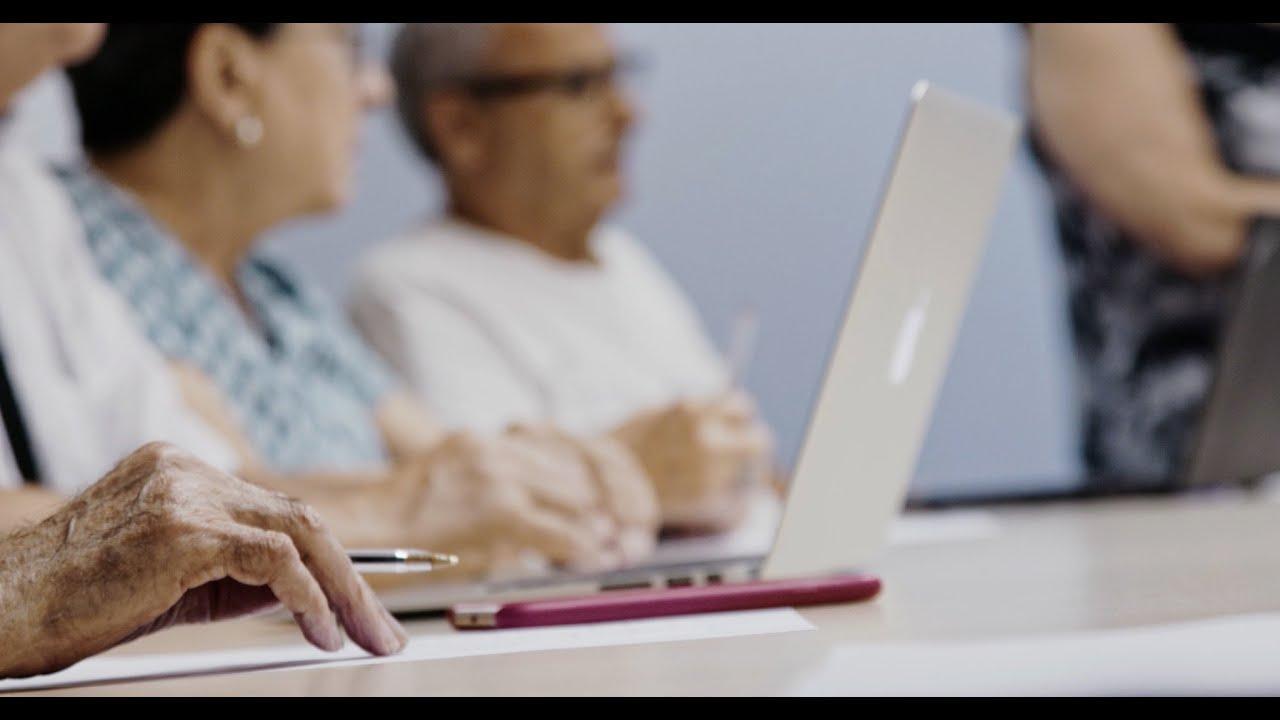 Casi un 70% de los mayores sufre la brecha digital
