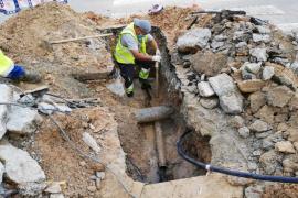 La reparación de una tubería deja sin agua a unos 2.000 abonados de Platja d'en Bossa