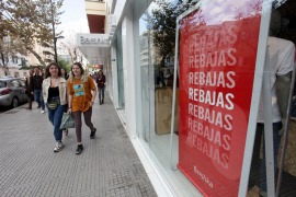 El Gobierno permite las rebajas desde hoy en toda España, pero sin aglomeraciones
