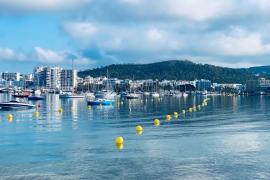 Sant Antoni inicia el balizamiento de las playas