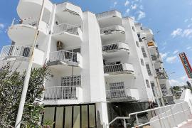 Muere un hombre tras precipitarse desde un cuarto piso en la bahía de Sant Antoni
