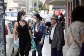 El uso de mascarillas, obligatorio en vía pública y espacios cerrados si no se asegura la distancia mínima