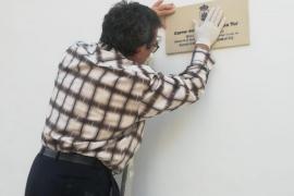 El Ayuntamiento de Ibiza instala cinco placas historiadas en la Marina y sa Penya