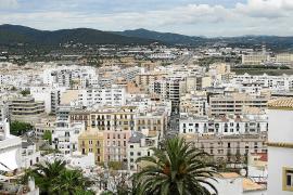 El Govern rechaza un cambio legislativo para que Ibiza pueda precintar pisos turísticos