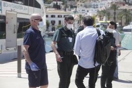 Amonestadas dos personas que pretendían hacer la conexión Ibiza-Formentera