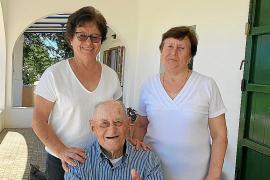 Pep Mayans, de 'Can Xumeu Petit' de la Mola, cumple 100 años en plena forma