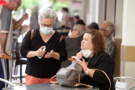 Más de cien mil familias se gastarán unos 100 euros al mes en mascarillas