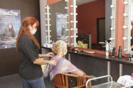 Peluquerías y dentistas empiezan a cobrar el 'suplemento COVID'