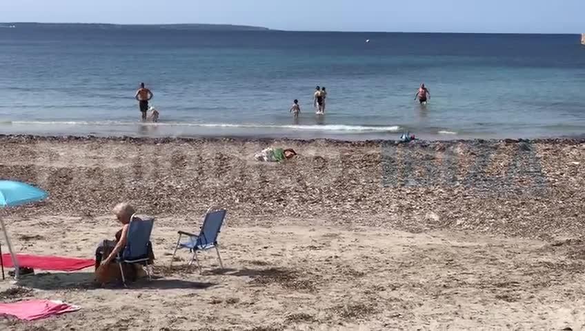 Ibiza estrena la fase 2 con las playas abiertas al baño