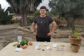 La conselleria de Agricultura manda un vídeo de Miquel Montoro a los alumnos para que aprendan a hacer planteles de productos locales