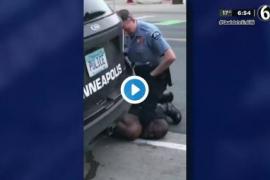 Brutalidad policial: La rodilla de un agente acaba con la vida de un afroamericano