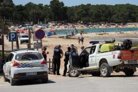La gran afluencia de bañistas en Cala Bassa, en imágenes (Fotos: Marcelo Sastre).