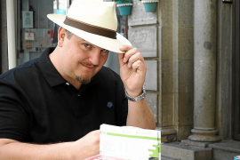 Ben Clark: «El lector debe aportar su propia experiencia y llegar a una conclusión»