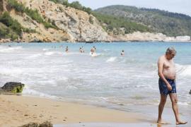 El primer domingo de la fase 2 en las playas de Ibiza, en imágenes (Fotos: Toni P.)