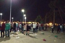 Cientos de jóvenes de botellón encienden las alarmas