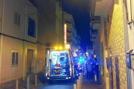 Un incendio en la lavandería obliga a desalojar once habitaciones de un hostal de Sant Antoni