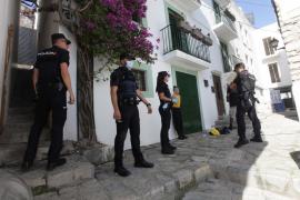 La operación antidroga en Sa Penya y Cas Serres, en imágenes (Fotos: Daniel Espinosa).