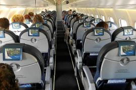 El Parlament pide una tarifa plana de referencia para viajes a la península