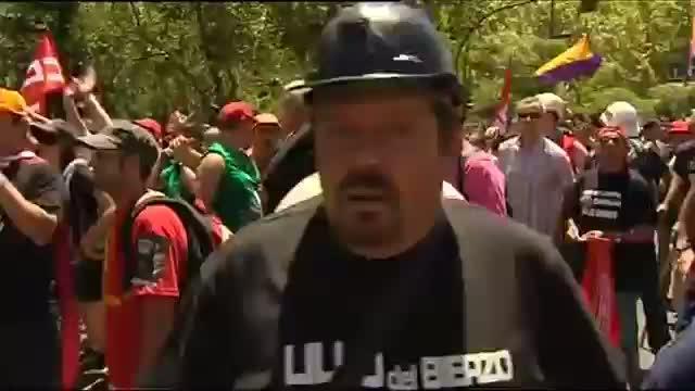 Los enfrentamientos entre mineros y Policía se saldan con ocho detenidos y 76 heridos
