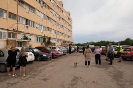 Sant Josep desaloja los apartamentos Don Pepe por riesgo de derrumbe