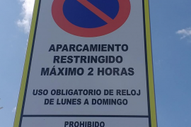 Restringido a dos horas el aparcamiento en la explanada de es Botafoc