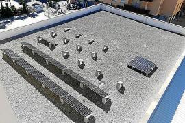El Ayuntamiento de Ibiza instala 92 placas solares en la cubierta del colegio Sa Graduada