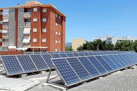 Las placas solares del CEIP Portal Nou funcionan desde el año pasado
