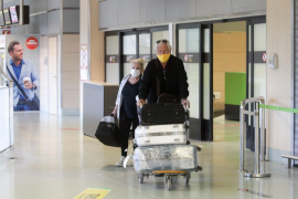 El aeropuerto de Ibiza recibió la fase 3 con 431 pasajeros, casi el doble que el lunes anterior