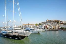 La nueva concesionaria inicia la gestión de Marina Port Ibiza