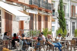 De 10.000 a 300 contratos en las Pitiusas en el sector de la hostelería