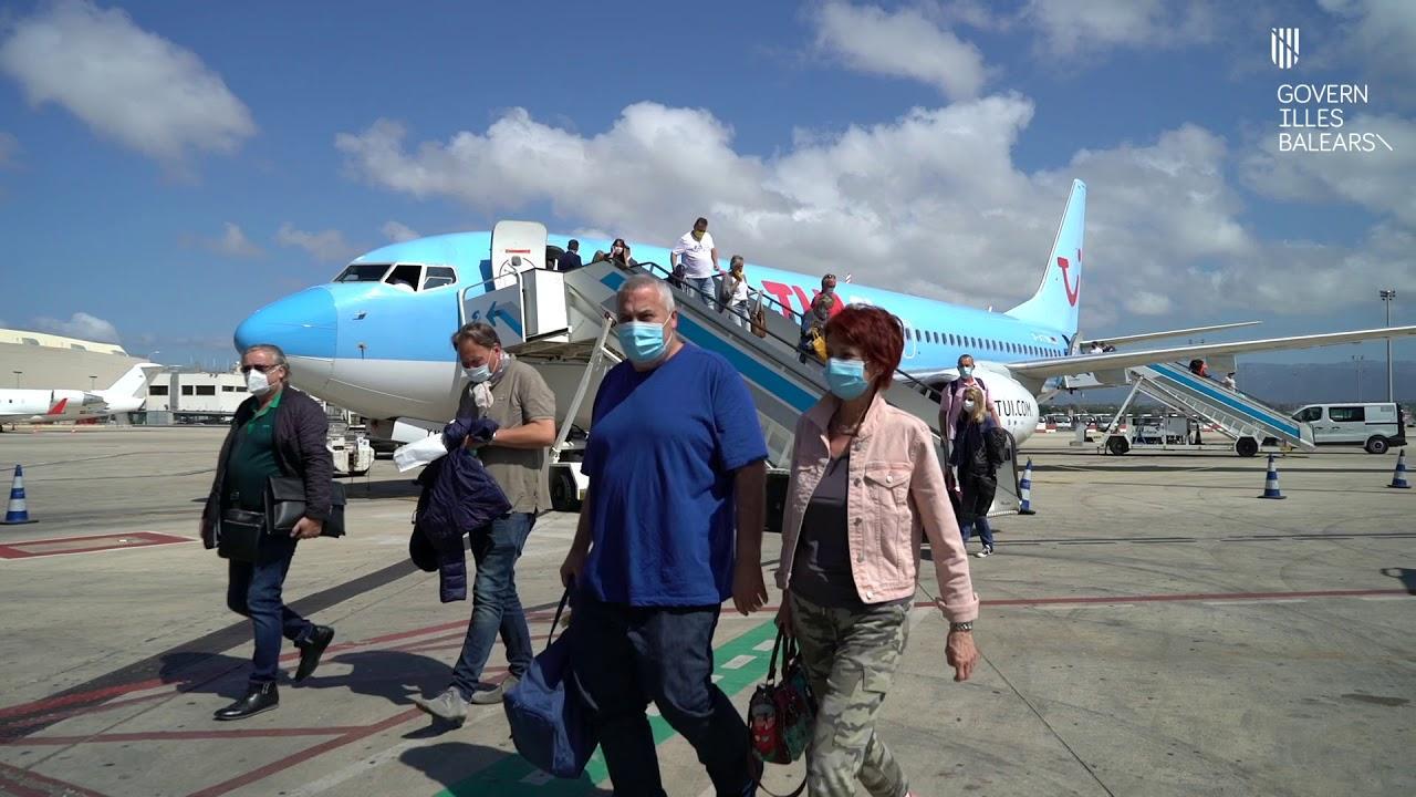 Los primeros turistas ya están en Mallorca