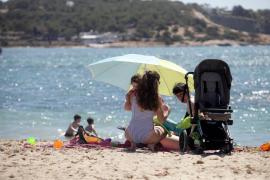 Vila cerrará las tres playas del municipio la noche de San Juan