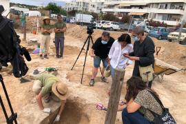 Descubiertas cuatro tumbas más en la necrópolis bizantina de Sant Francesc
