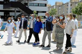«No hay pandemia y no tienen sentido la máscara ni la distancia»