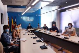 El Ayuntamiento recibe al Club Bàsquet Sant Antoni
