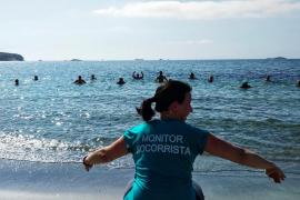 Vila organiza clases de gimnasia acuática en la playa de ses Figueretes