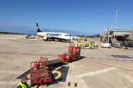 Aterrizan en Ibiza los primeros vuelos de la 'nueva normalidad'
