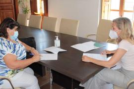 Santa Eulària firma un acuerdo de colaboración con la Associació Vesins Cala Llonga