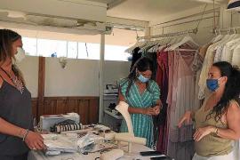 Los artesanos de Formentera celebran poder abrir los mercados