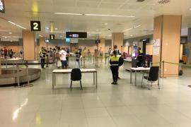 Ibiza recibirá vuelos con pasaporte sanitario en julio en una prueba piloto