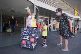 El aeropuerto de Ibiza «va cogiendo ambiente poco a poco»