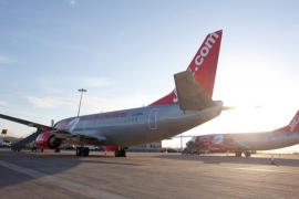La compañía Jet2.com volará la mitad de sus vuelos este verano