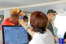 Llegan a Ibiza los primeros turistas de TUI Alemania