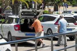 La regulación del GPS del taxi y los uniformes no estarán listos este verano
