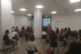 Vila forma a sus monitores en seguridad, igualdad y normalización lingüística